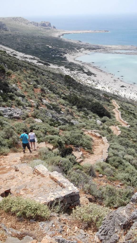 Спуск вниз в бухту Балос