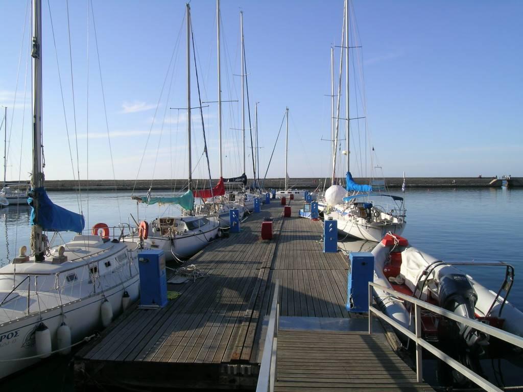 Яхты в Ханье