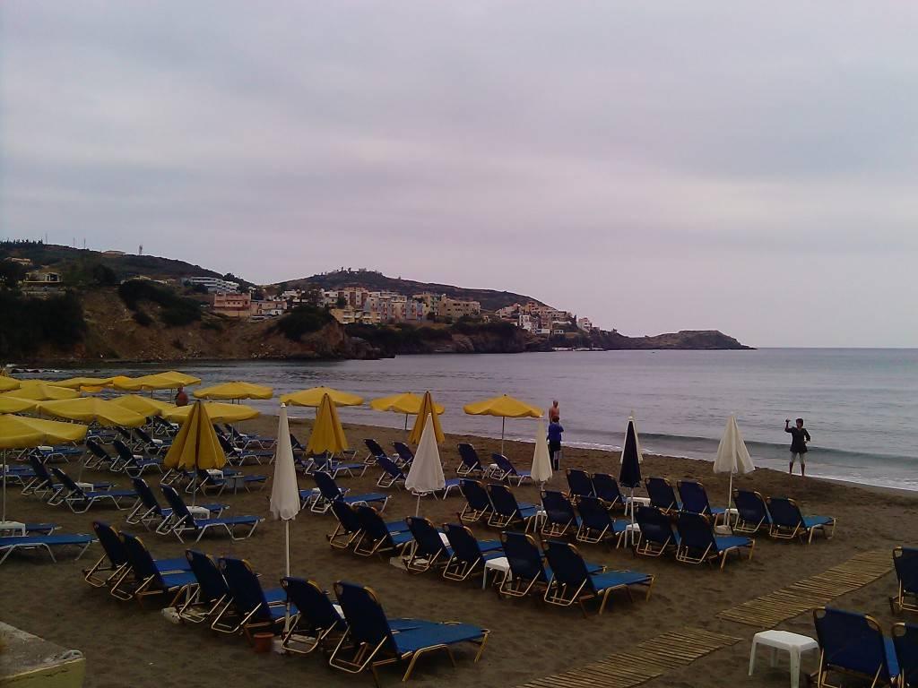 Пляж около отеля Talea Beach