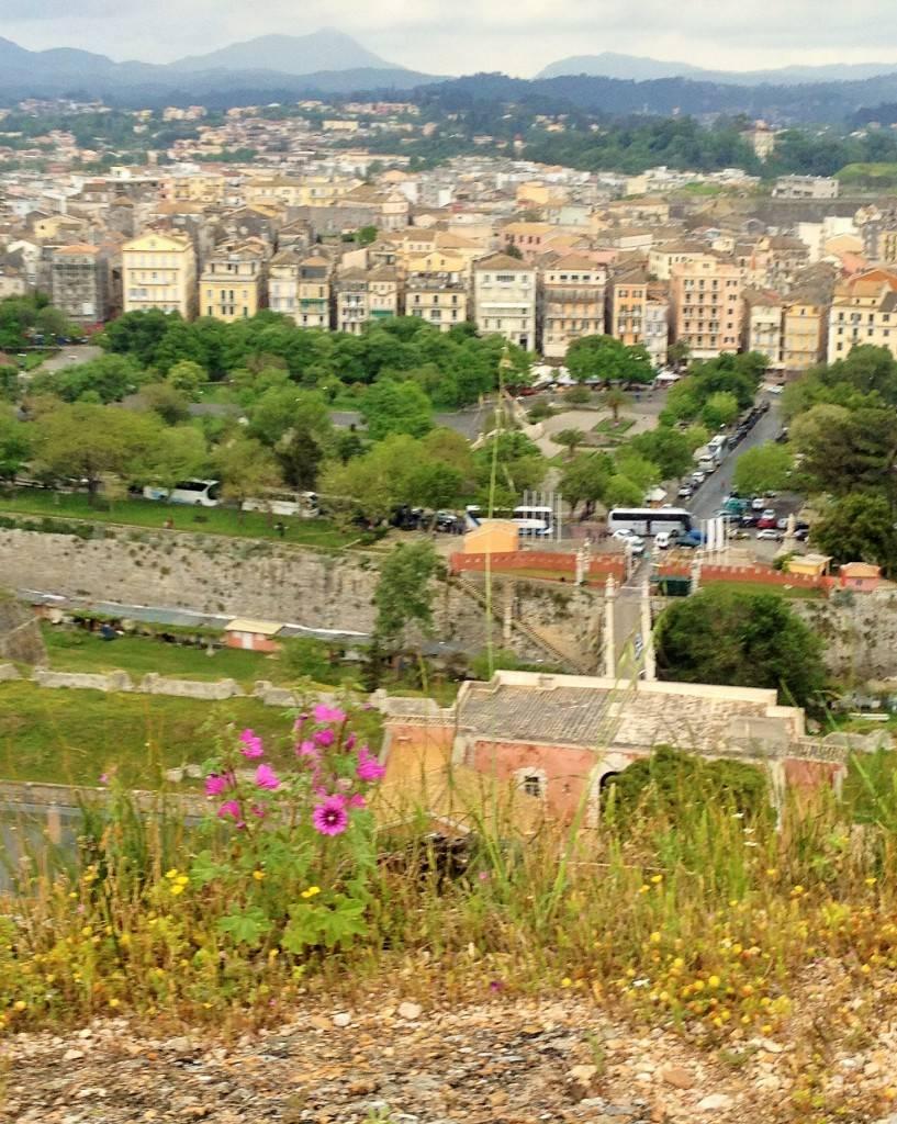 Вид на Керкиру из крепости