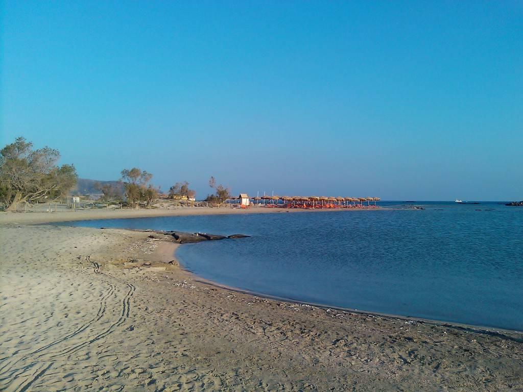 Пляж Элафониси на закате Крит в мае
