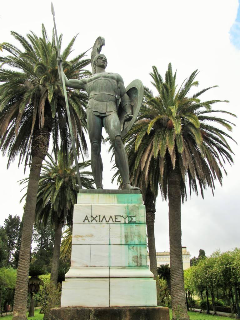 Статуя Ахилла - победителя