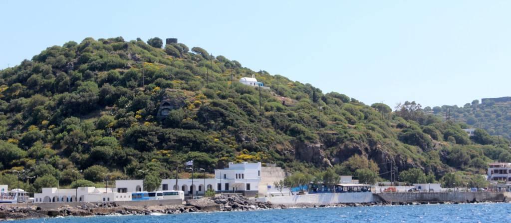 Икона Богородицы на холме острова Нисирос