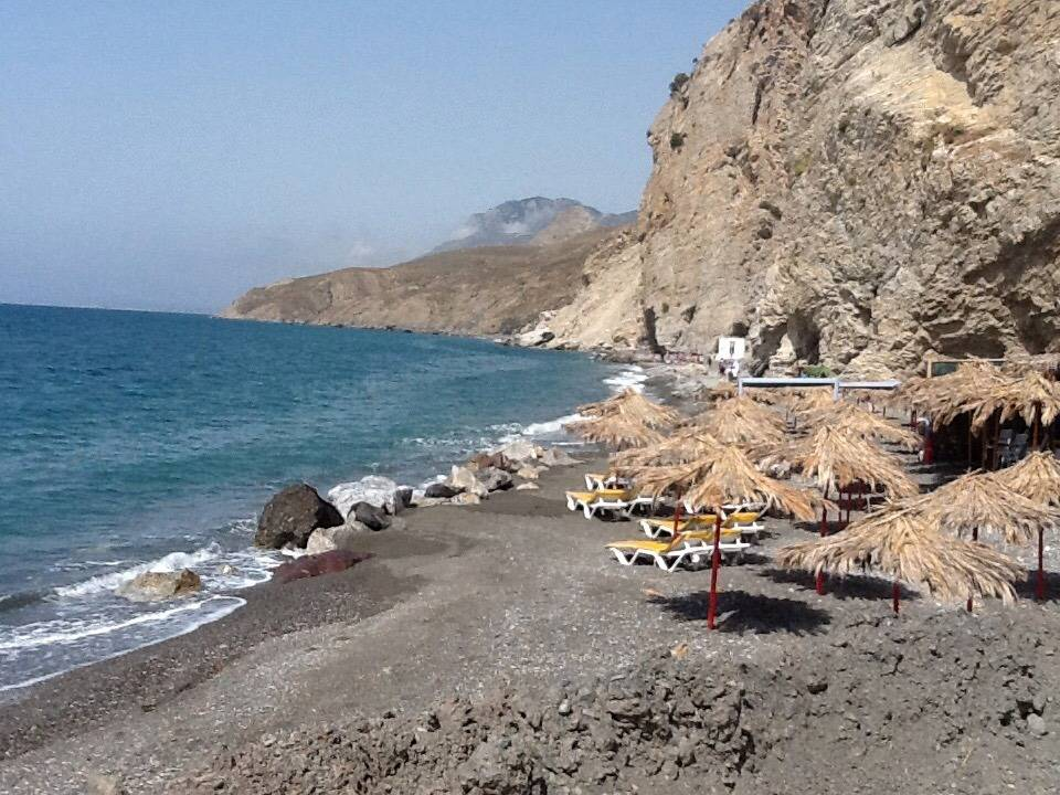 Пляж возле термальных источников острова Кос