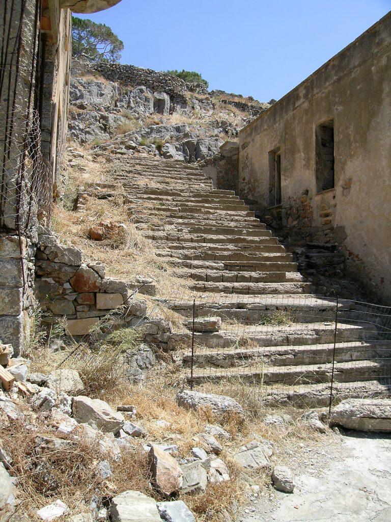 Разрушающаяся лестница