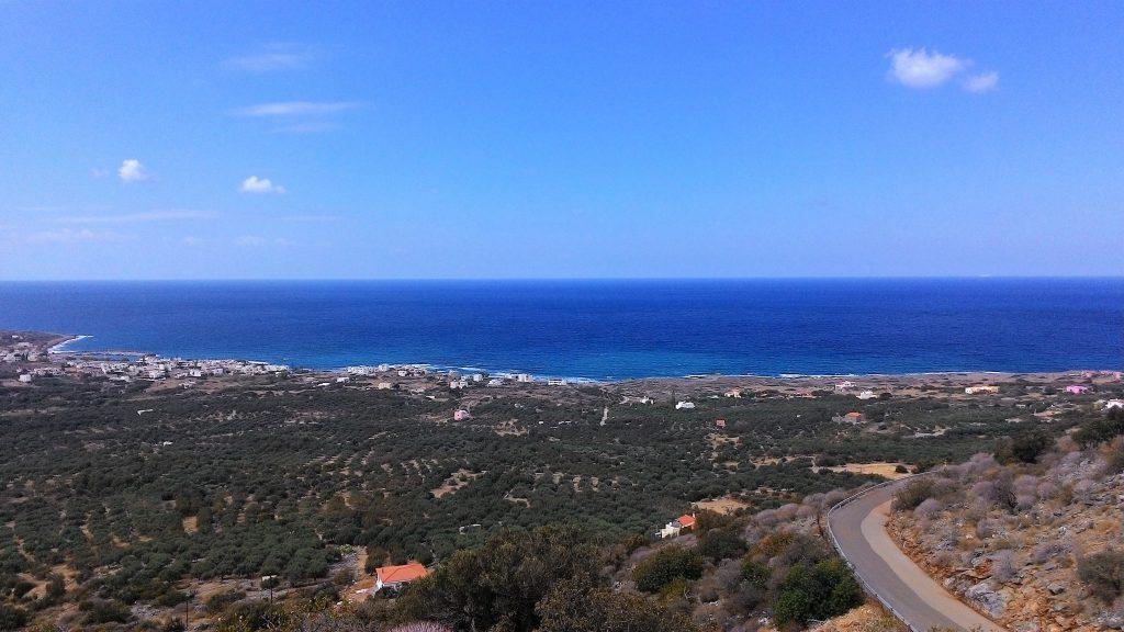 Панорама на море и поселок Милатос