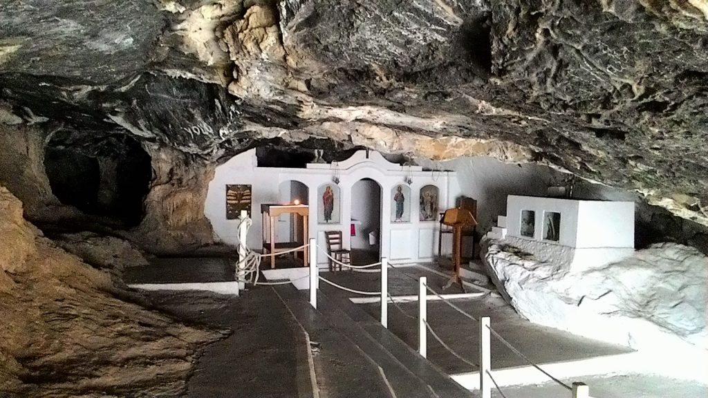 Церковь в пещере Милатос