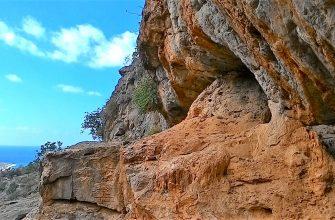 Вид из пещеры Милатос