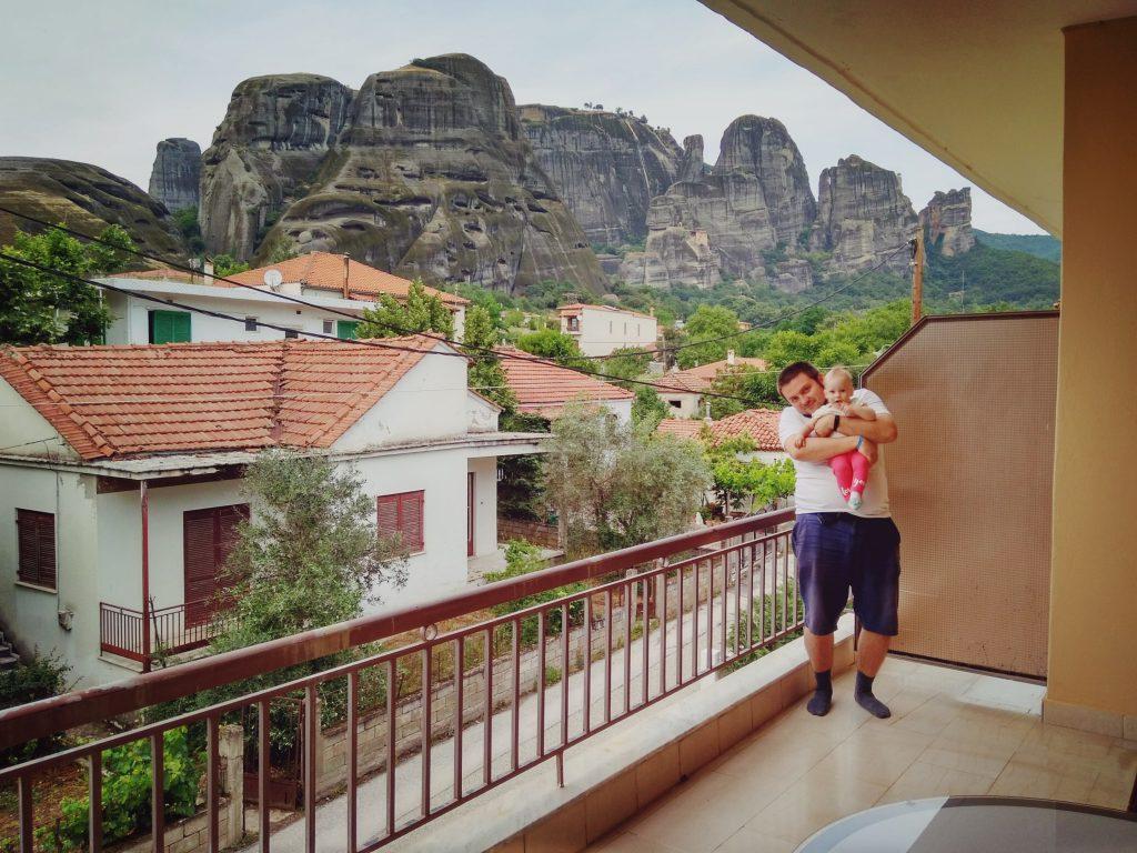 балкон с видом на Метеоры